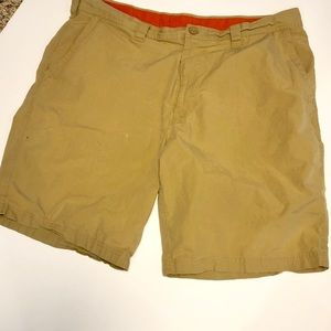 COLUMBIA Men's knee length shorts- Flax color